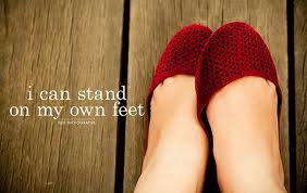 Berdiri di atas kaki sendiri